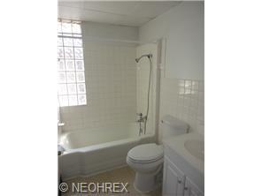 Normal 1404790576 3816 Bucyrus Bathroom
