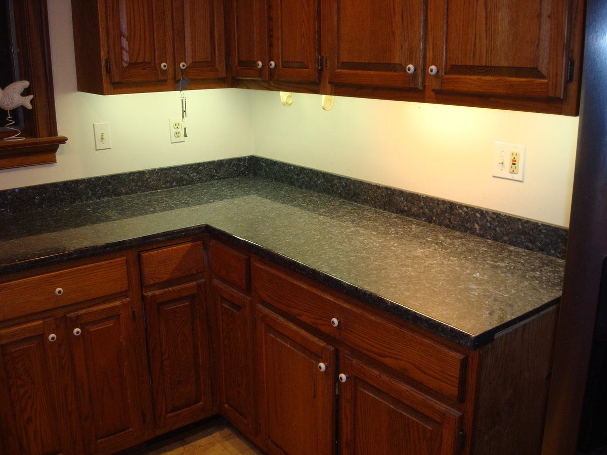 Cutting granite to size for Normal kitchen pictures