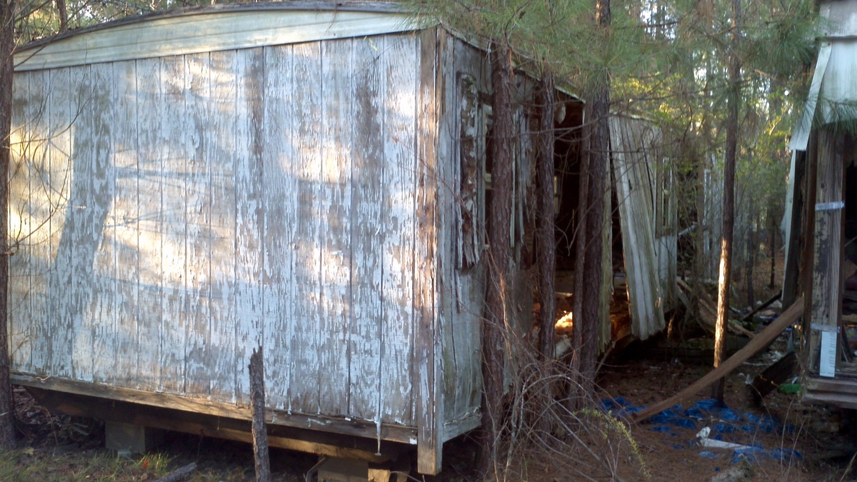 What to do with run down mobile homes? Missouri Mobile Home Removal on white water rafting missouri, log cabins missouri, shipping container homes missouri, prefab homes missouri,