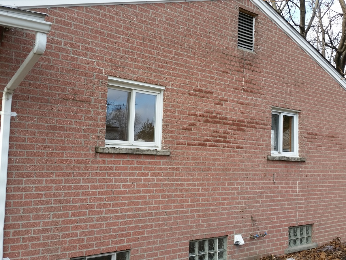 Cracks in exterior brick walls structural issue - How to clean brick house exterior ...