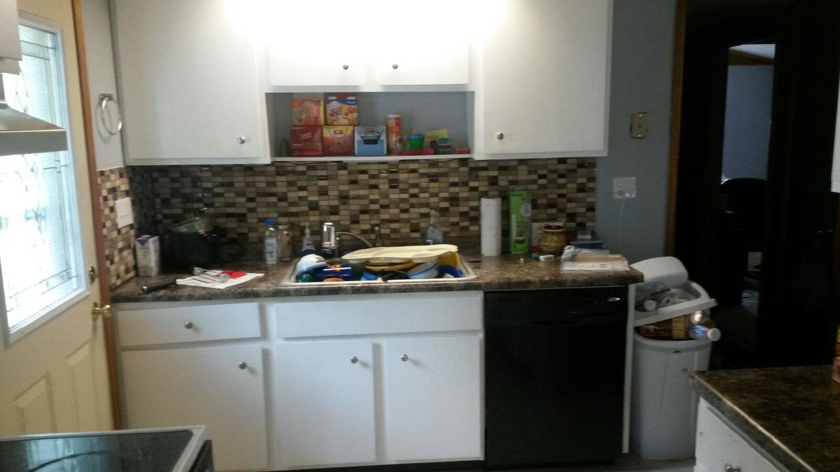 To Give You An Idea, Here Is A Picture Of My Kitchen In My Personal  Residence, But I Donu0027t Want To Use This Backsplash In My Units.